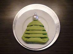 Christmas Tree Napkin Fold ...How beautiful on the table.