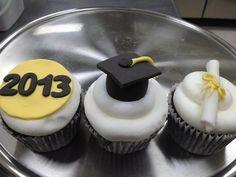 graduation cupcakes @Dana Curtis Effle