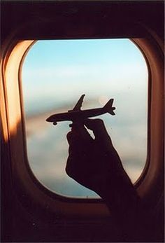 travel pictures, perspective photography, summer holidays, travel window, place, airplane window, window seats, airplane travel, forced perspective