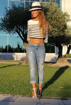 boyfriend jeans, fall fashions, fashion ideas, cloth, cropped top outfits, crop top styles, fashion model, hat, crop top outfit