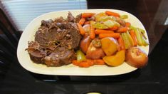 Try this #SlowCooker Pot Roast Recipe for those days you want to come home to something warm, filling & delicious.  #potroast #recipe #easydinnerideas