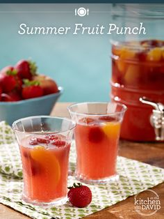 How delicious does this Summer Fruit Punch look?!