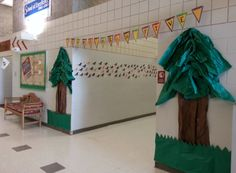 We are loving all the details in this Camp High Five display at Morrisville Elementary!