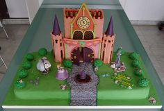 Princess castle birthday cake. © Karine Zablit