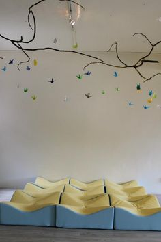 Infant and Toddler Atelier ≈≈ i love these paper birds flying - would be fun to do outside too.