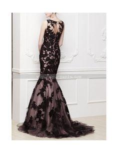 Robe de soirée rose, voilage à motif noir