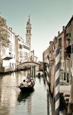 Venice, Veneto, Italy #travel #places +++Visit http://www.hot-lyts.com/ for beautiful #background images
