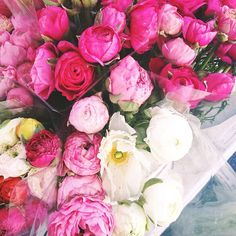 Farmers market flowers | @designconundrum