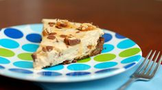 SNICKERS CHEESECAKE PIE (NO-BAKE)