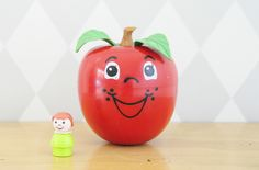 Happy Apple Fisher Price -  Made in U.S.A – 1972. leshappyvintage.fr