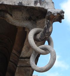 Talakad Vaideyswara Temple Granite Ring Chain.  Hanging from one of the eaves of the temple roof is this beautiful chain of rings carved out of a single block of granite – showing the great skills of the artisans that built the Vaideyswara. You can read more here: http://bit.ly/wHWzeq