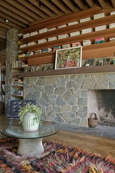 Love the stone fireplace and all the shelves! AD Classics: Schwimmer House / John Lautner F5CS4101 – ArchDaily