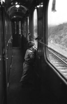 Simplon-Orient Express 1950 Photo: Jack Birns orient express, jack birn, white, travel, 1950, simplonori express, black, trains, photographi