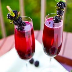 margarita with champagne and blackberry