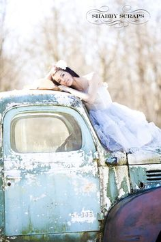 vintage prom dresses, vintage country photography, vintage weddings, senior pictures truck, old trucks