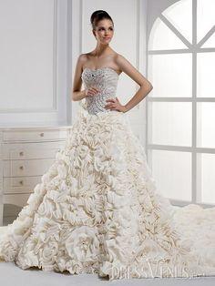 Charming Mermaid Strapless Wedding Dress .