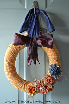 Love this fall wreath from thecardswedrew.com -so cute! #DIY