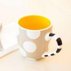 Soft and subtle, the Cobble Mug marries a stylish shape and playful pattern that can easily blend with any Swap piece to create a timeless tabletop with appetizing appeal. Perfect for serving coffee, tea, hot chocolate or cider.