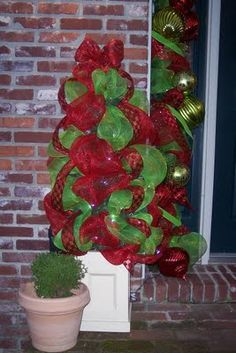 southern fried gal: Christmas Door Decor Building On The Previous Year