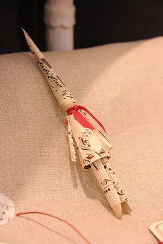 Papier & Couleurs - CSF 2010  Swedish candle boy.