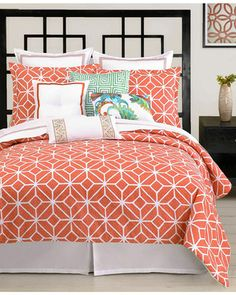 Love this.  Nice pattern, great colors, especially the aqua and turquoise with this orange red.