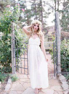gorgeous boudoir shoot  Photography by lauramurrayphotography.com/, Floral by barerootflora.com