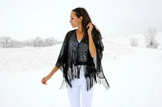 DIY fringe poncho: Perfect for a swim cover up. diy fring, fring poncho