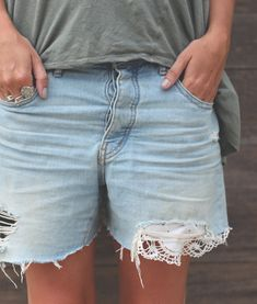 DIY: patching denim with lace