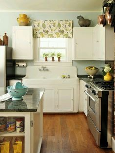 1940s kitchen. I love these old sinks