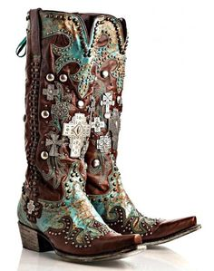 Who doesn't love some decorated boots!
