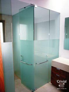 Cancel para baño de vidrio templado, fabricado por Crivial.