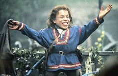Fan of Fantasy movie and say Yay! now Ron Howard's film Willow once again release for your entertainment. Willow is film in 1988 starring Warwick Davis, Val Kilmer, Joanne Whalley, Jean Marsh, and Billy Barty.    An epic of the Dwarf called Nelwyns b