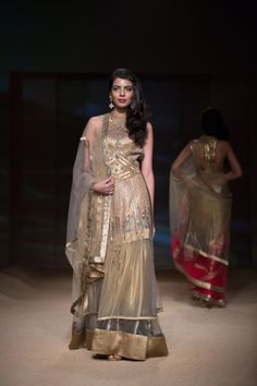 Indian wedding clothes 2014. Indian bridal lehenga, Gold lehenga, desi couture #shaadibazaar