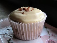Buttermilk Pancake Cupcakes w/ Maple Frosting