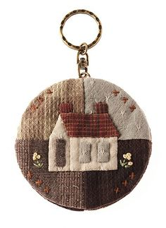 Cute little house - lovely taupe fabrics