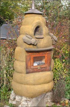 Bees:  Newspaper vending #beehive.