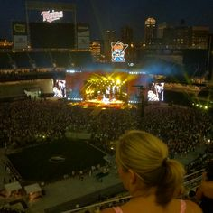 Target Field first concert! Kenny Chesney & Tim McGraw. Brothers Of The Sun Tour.