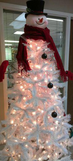 Such a creative Christmas tree idea!