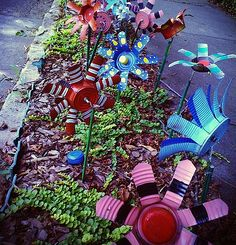 Recycled Tin Can Flowers featured @totgreencrafts