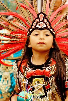 Girl  joven danzante de danzas prehispanicas, Queretaro, Mexico