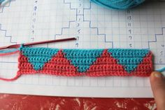 little woollie: Tapestry Crochet, step by step with pics - Harlequin Pattern Tutorial