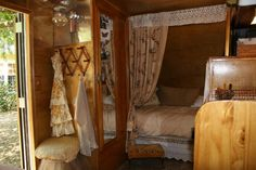One of my favorite vintage camper interiors!
