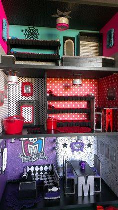 Custom Monster High house #1