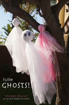 FUN Halloween Tulle Ghosts by @Caila Perry Murphy #spookspaces