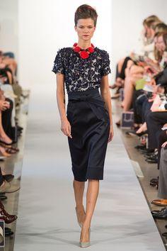 Kasia Struss walking Oscar de la Renta Spring 2013 RTW #runway #fashion
