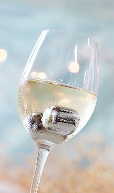 Stainless Steel Wine Pearls ~ keeps your white wine perfectly chilled!