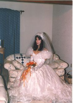This beautiful bridal crossdresser is Alicia; she's from Australia.