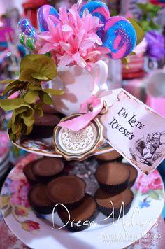 Alice in Wonderland 15th Decor | CatchMyParty.com