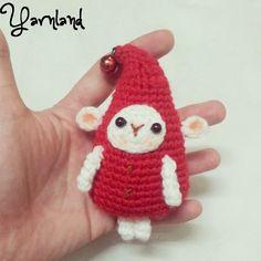 free pattern :  Little Elf the Santa's helper by Yarnland aka Carmen Pay