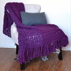 Got 6 hours? Crochet up a fabulous afghan! Plus learn how to fringe the edges!